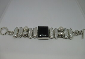Hidres Diaz Freshwater Pearls and Silver Bracelet Napier New Zealand